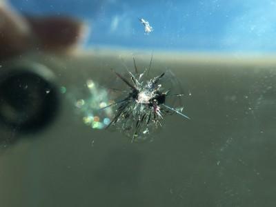 コダマックスのフロントガラス修理